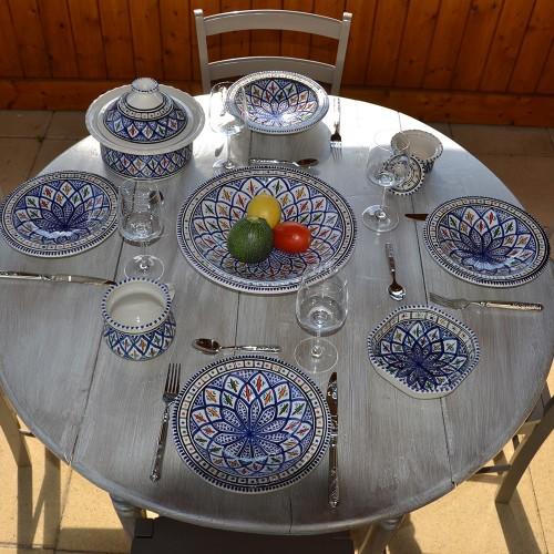 Service à couscous assiettes Tebsi Jileni bleu - 6 pers