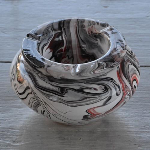 Cendrier anti fumée marbré rouge, noir et blanc - Grand modèle